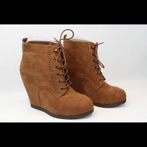 MOSSIMO Wedge Heel Lace-up Bootie	NWOT